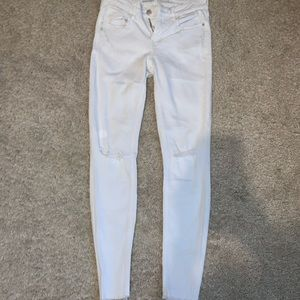 old navy ripped white jeans